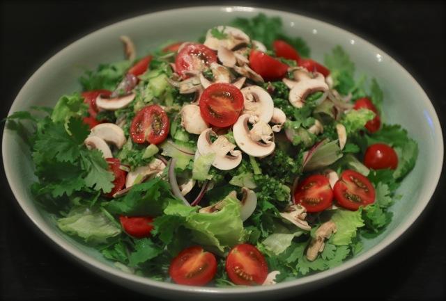個性の強い香味サラダ