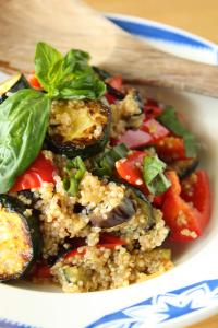 夏野菜とキヌアのサラダ